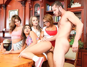 Hot Teen School Porn Pictures