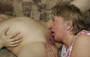 Hot Pregnant Teen Porn Pictures